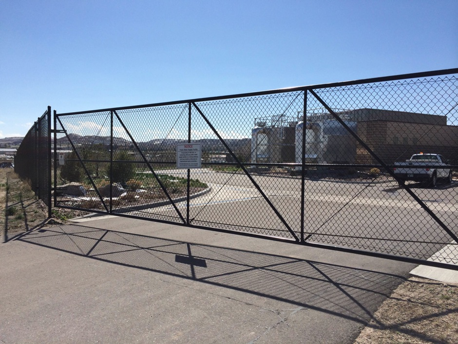 black chain link fence gate commercial