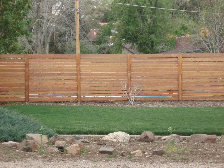 residential privacy fence wood horizontal